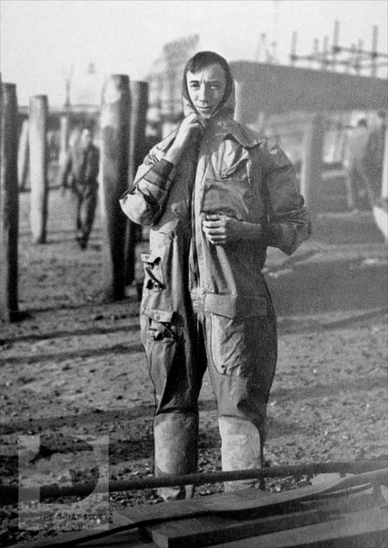 Lieutenant-Commander Nigel Clogstoun-Willmott wearing a special COPP suit. He took part in missions on the Normandy coastline to collect sand samples before D-Day.